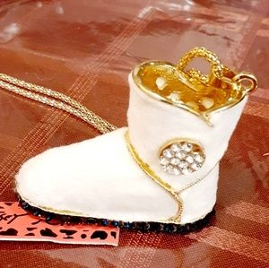 """👢White Fur """"Ugg"""" Boot Necklace👢"""